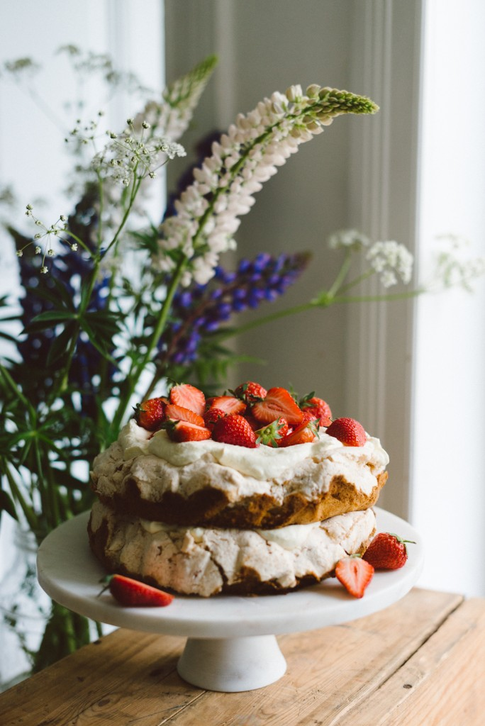 Midsummer cake by Babes in Boyland