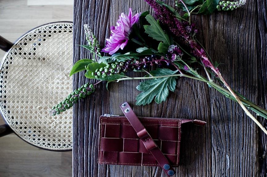 Eduards Brick wallet + bow 1200x797
