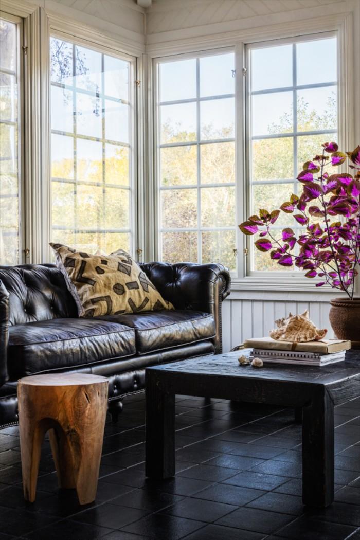 karolinedelaconcha-himma-skinn-soffa-700x1050