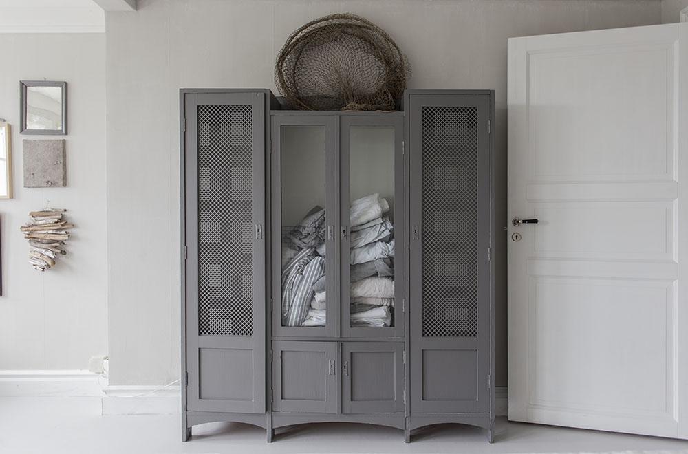 strenghielm_linen_cupboard.1