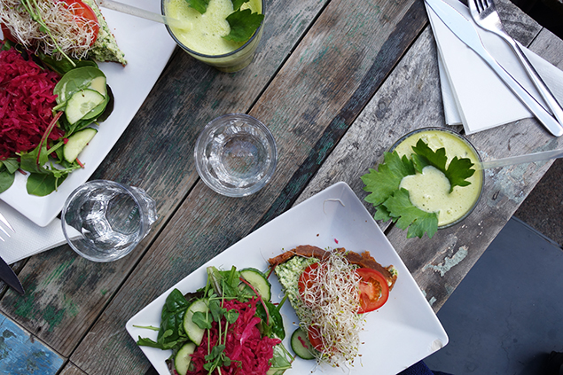 lunch raw food house