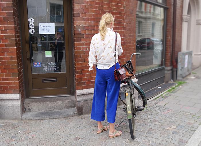 outfit_bakifrån_langblondin_0628a