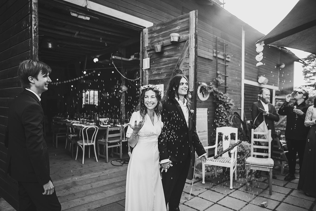 Anton's and Maria's bohemian wedding photo: Anna Malmberg -n°06