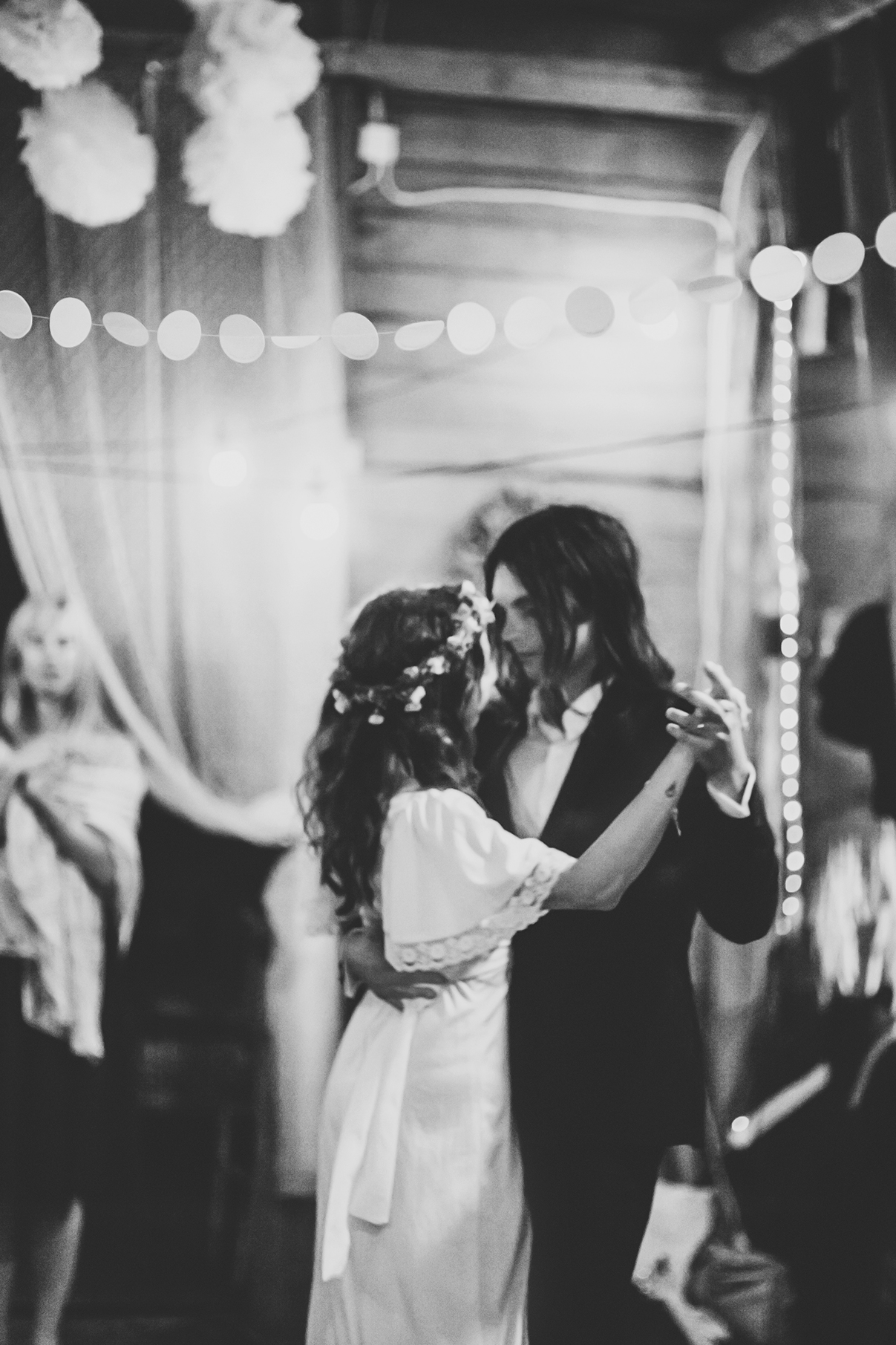 Anton's and Maria's bohemian wedding photo: Anna Malmberg n°37