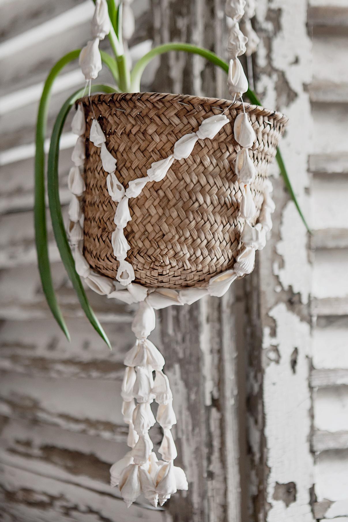 Hanger flowerpot copyright Anna Malmberg