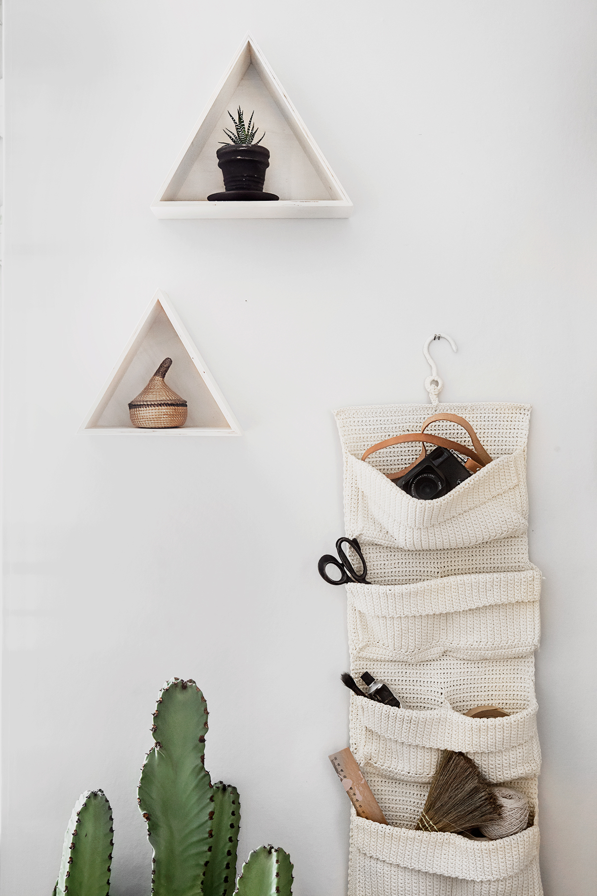 Triangle shelf copyright Anna Malmberg