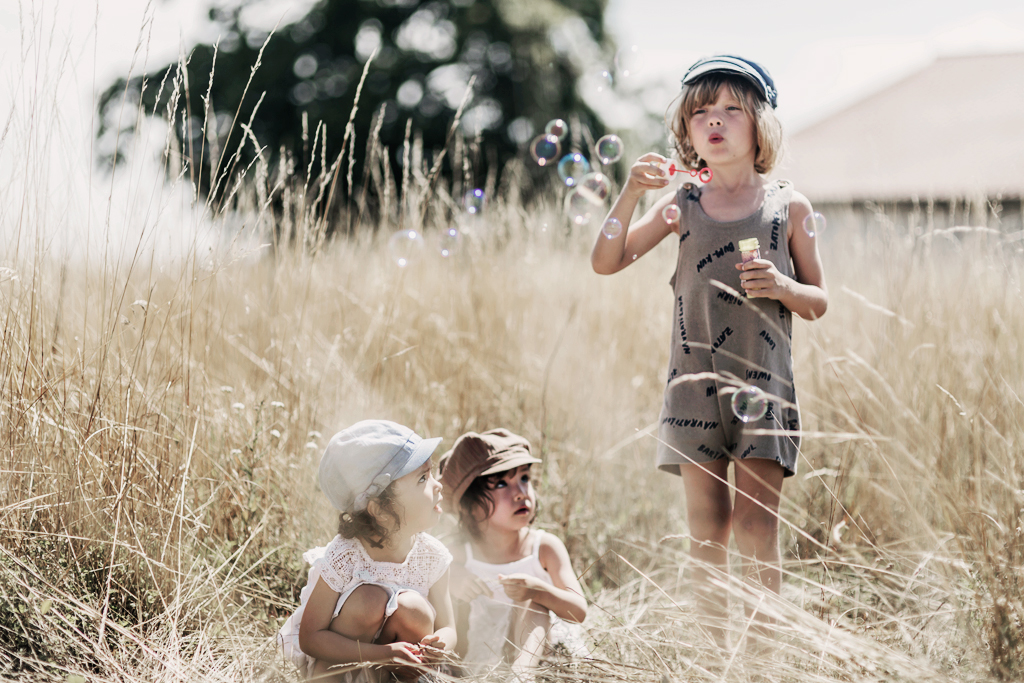Summer kids copyright 2017 Anna Malmberg 4