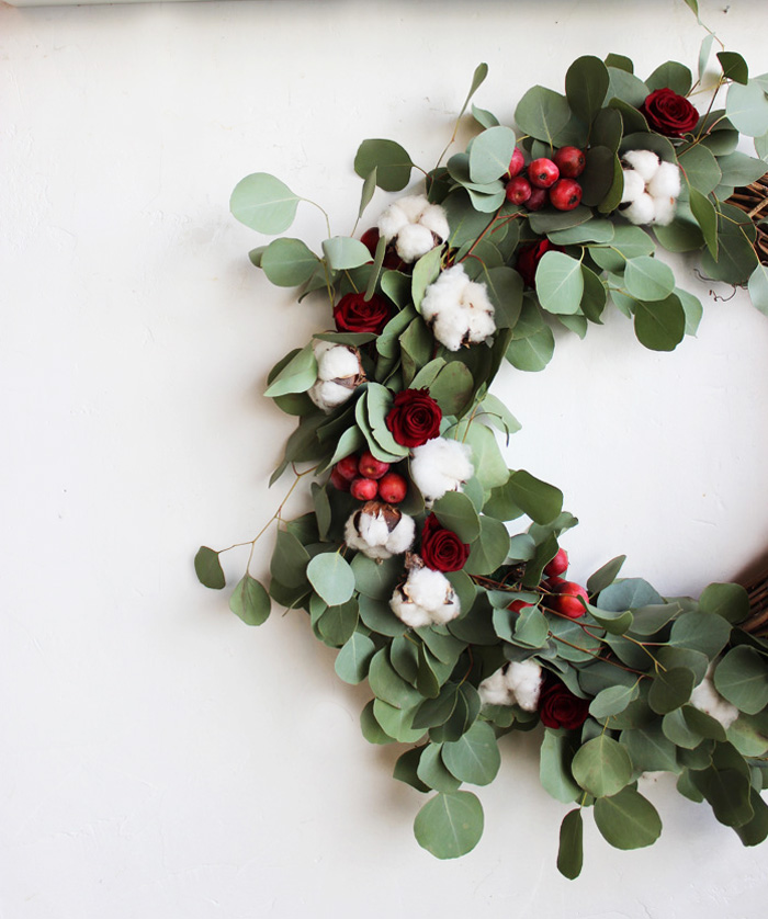 DIY Holiday Wreath with Flower Factory