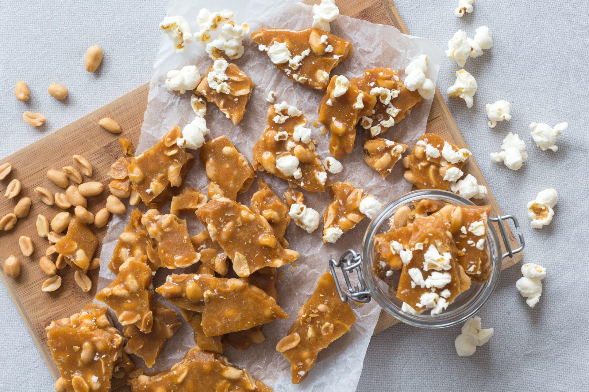 popcorn-peanut-brittle-dnilva-1-1920x1280