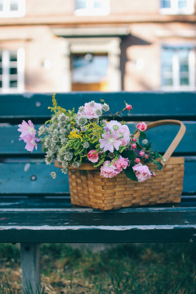 Friday flowers by Volang